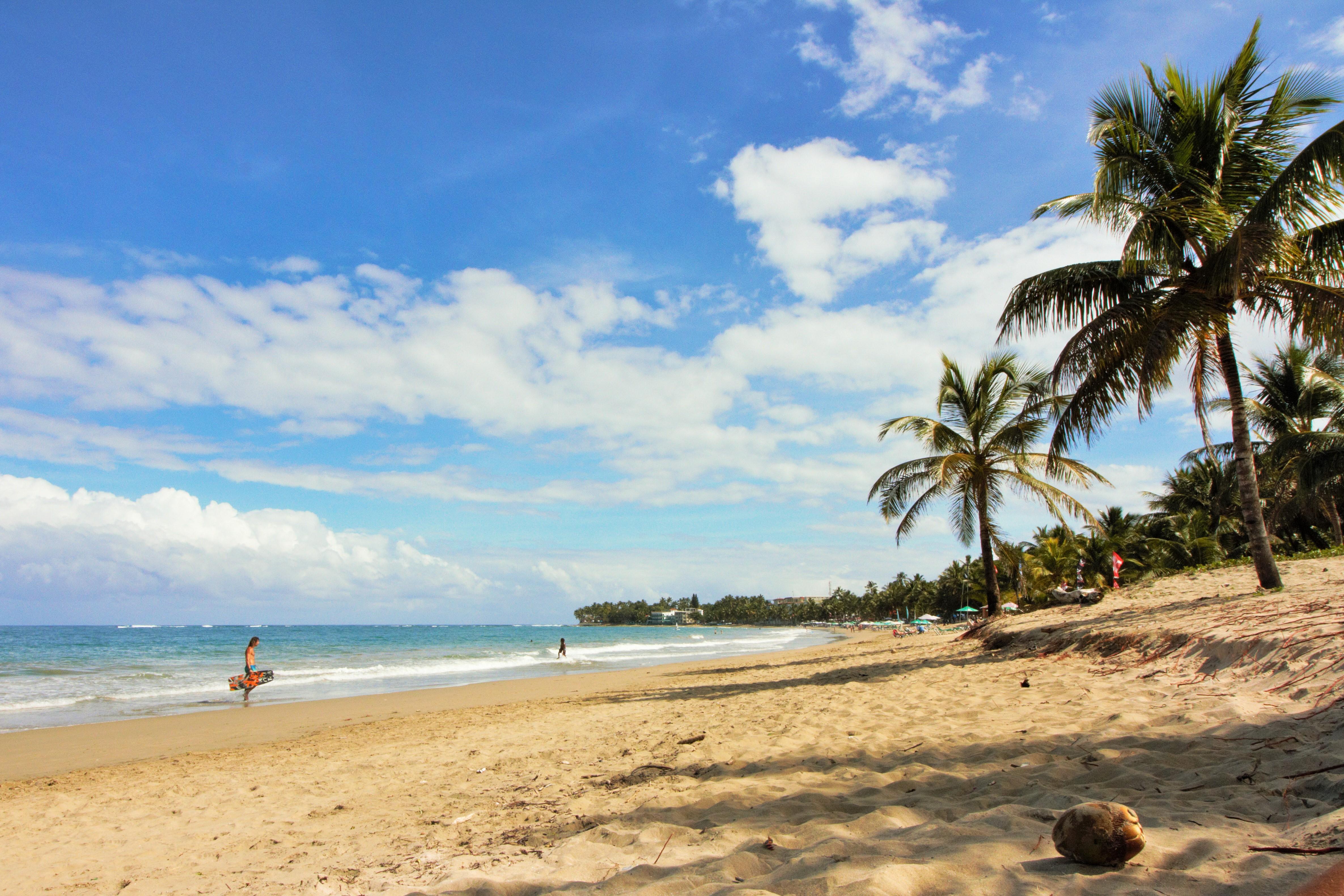 Виндсерфинг в Кабарете — обзор станций на пляже.