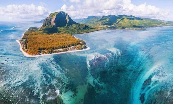 Маврикий — серф остров в океане